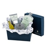 Truefitt & Hill Ultimate Comfort Gift Set: Cream, Balm, Oil and Scrub Set