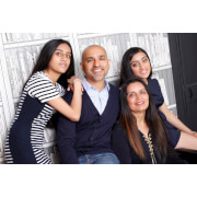 Family Photoshoot with a ?50 off voucher - UK Wide Special Offer