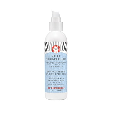 First Aid Beauty Milk Oil Conditioning Cleanser (147 ml)