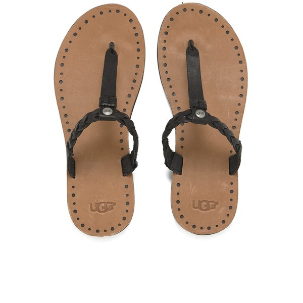 Browse our collection of women's leather sandals from Reef and be prepared for any adventure!