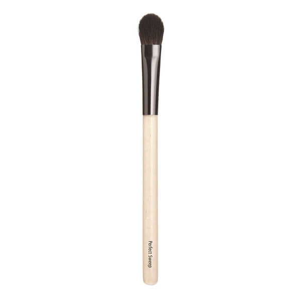 Chantecaille Sweep Brush