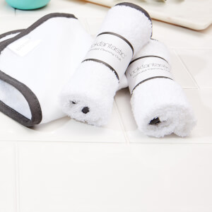 lookfantastic Set of 3 Cleansing Cloths (Worth $22)