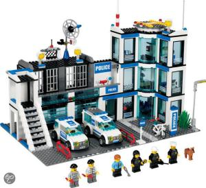 LEGO City Police Station (7498)