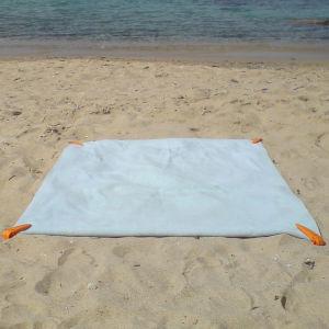 The Beach Towel Clip - White