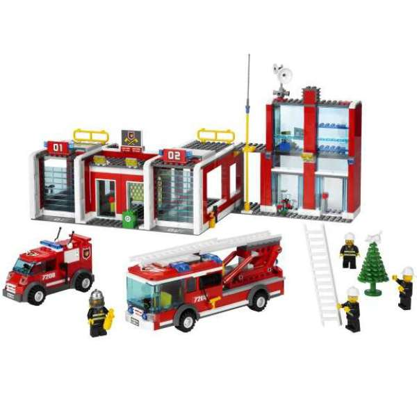 Lego City Fire Station 7208 Iwoot
