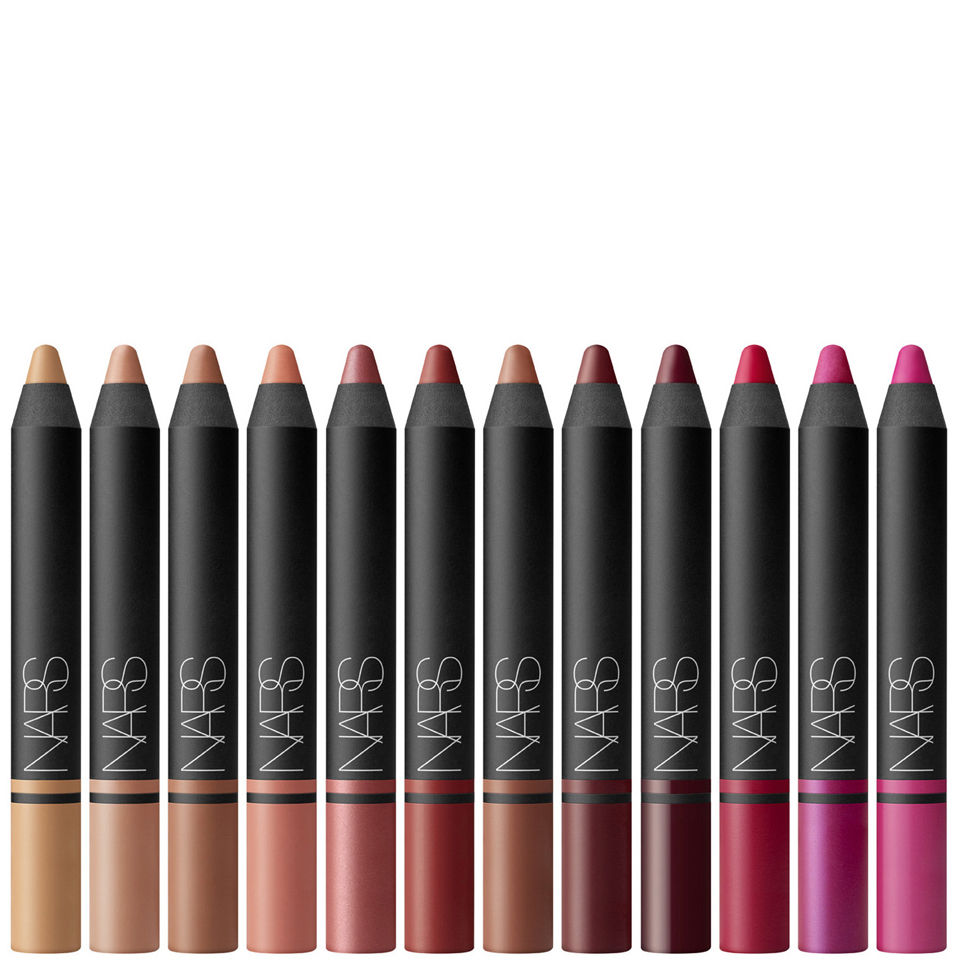 Comments about Avon True Color Glimmersticks Lip Liner: I was skeptical about using this because I always used Clinique but I actually like these better. The color apply better and stays on better.