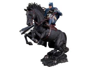 Batman: The Dark Knight Returns: A Call to Arms Statue