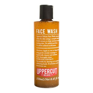 Uppercut Deluxe Men's Face Wash -miesten kasvovesi (250ml)