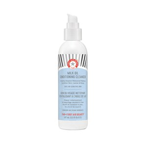 First Aid Beauty Milk Oil Conditioning Cleanser (147ml)