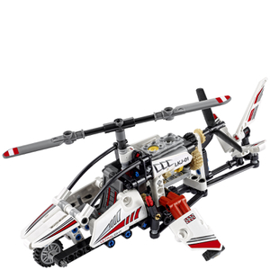 LEGO Technic: Ultralight Helicopter (42057): Image 2