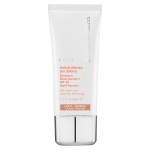 Dr Dennis Gross Skincare Instant Radiance Sun Defense Broad Spectrum SPF40 - Light Medium -aurinkosuoja 50ml
