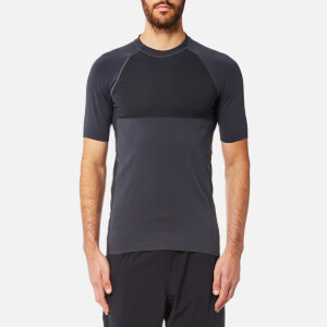 FALKE Ergonomic Sport System Men's Short Sleeve Performance T-Shirt - Platinum