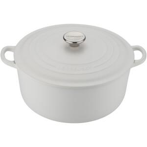 Le Creuset Signature Cast Iron Round Casserole Dish - 24cm - Cotton