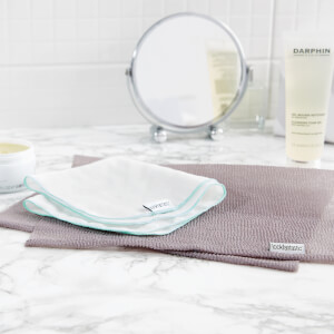 lookfantastic Muslin Cleansing and Buffing Cloth Duo (Free Gift)
