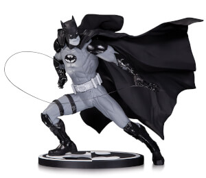 DC Statue Batman Black & White By Ivan Reis
