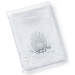 Omorovicza Cleansing Facial Mitt (Free Gift) (Worth £10.00)