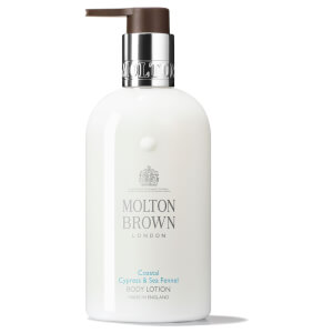 Loción corporal Coastal Cypress & Sea Fennel de Molton Brown 300 ml