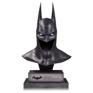 DC Collectibles DC Gallery Batman Arkham Asylum 1:2 Scale Replica Cowl Statue