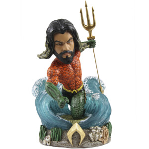 Figura Aquaman Bobble Head Versión Color Retro - FOCO DC Comics (Exclusiva Zavvi)