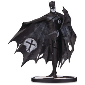 Statuette Batman par Gerard Way (20 cm), Batman Black & White – DC Collectibles