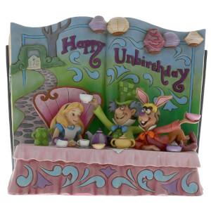 Happy Unbirthday, Livre de contes Alice au pays des merveilles recréant la scène du thé– Disney Traditions