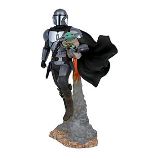 Gentle Giant Star Wars Milestones The Mandalorian Mandalorian & Child Statue