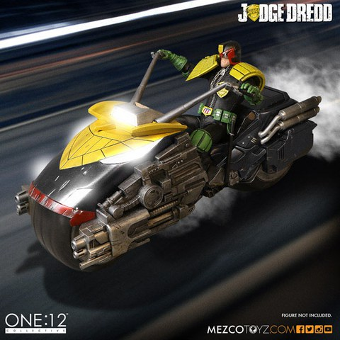 Mezco Toys Judge Dredd Vehicle with Sound and Lights 1/12 Judge Dredd's Lawmaster