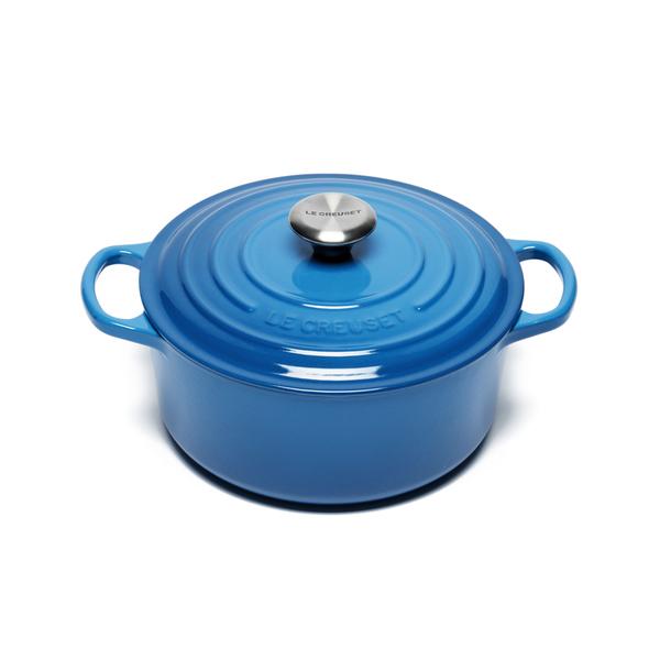 le creuset signature cast iron round casserole dish 24cm marseille blue iwoot. Black Bedroom Furniture Sets. Home Design Ideas