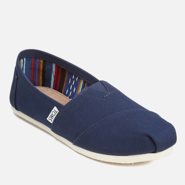 TOMS Women's Core Classics Slip-On Pumps的圖片搜尋結果