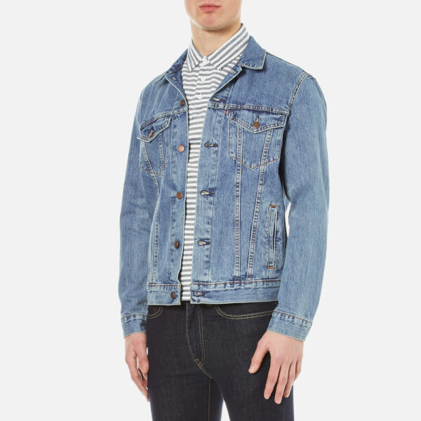 b42ab4205b4a1 Levi s Men s The Trucker Jacket - Icy Kleidung