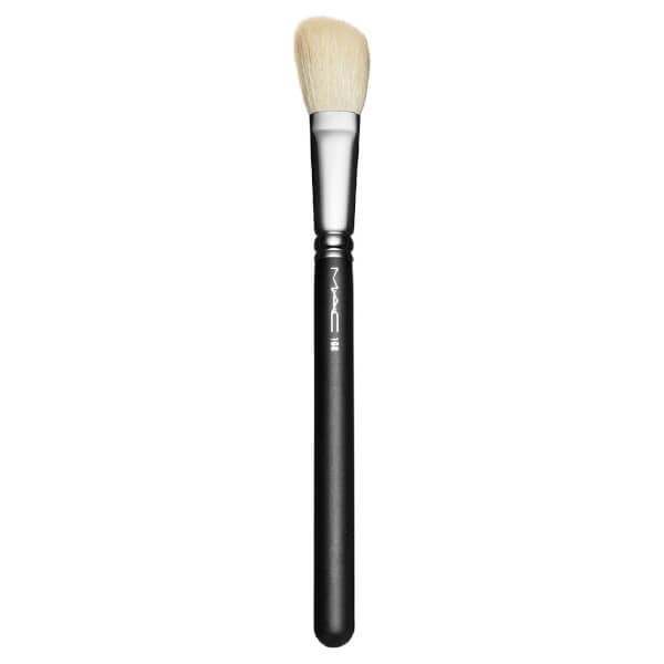 MAC 168 Large Angled Contour Brush