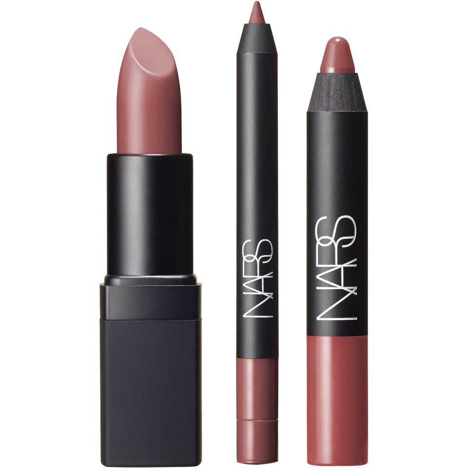 There's a reason why millions of women love MAC Cosmetics. The company offers every beauty product a woman could possibly ask for. It is important to note that almost all of its products are oil-free, including eyeshadow, lipstick, lip-gloss, all types of foundations, concealer, eyeliner, eyebrow pencils, nail polish, lip liners, stage makeup.