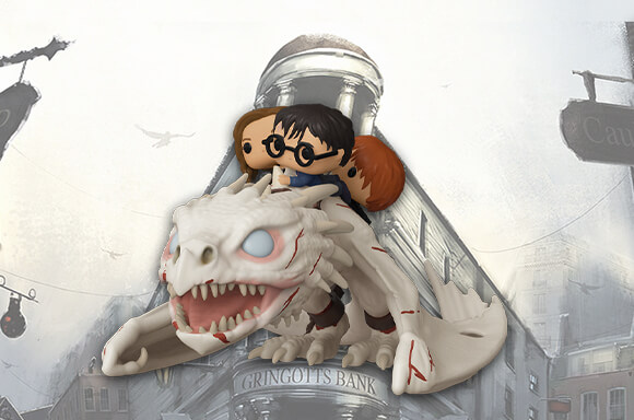 This Funko Pop! Ride of the Gringott's Dragon is FANTASTIC! It carries on its back Harry Potter, Hermione Granger and Ronald Weasley and it was used by the magic trio to escape their brake-in of Gringotts Wizarding Bank