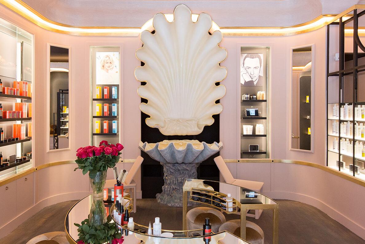 Une boutique accueillante et cozy dédiée à mes soins capillaires et soins du corps.