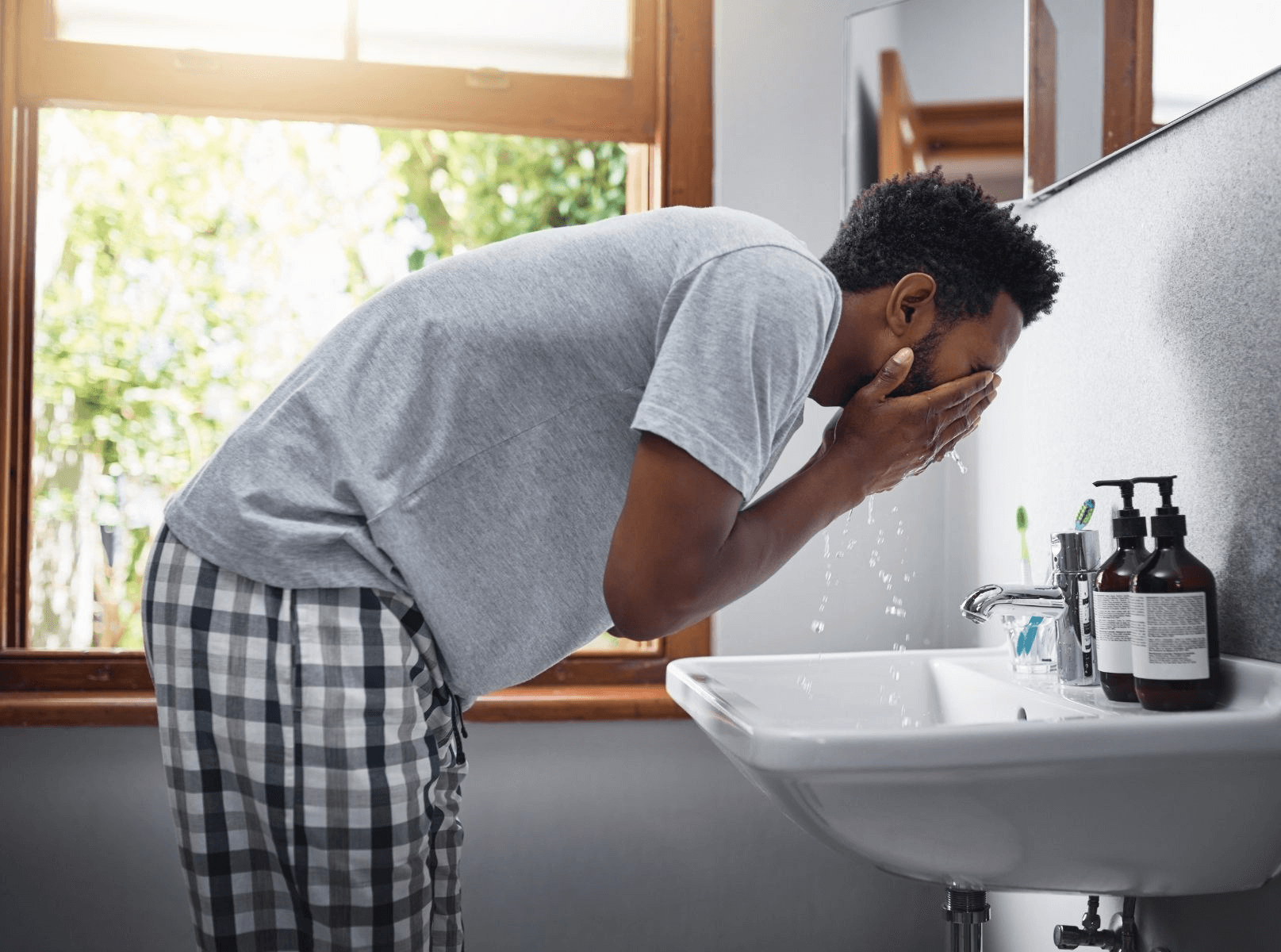 A Man's Guide to Oily Skin