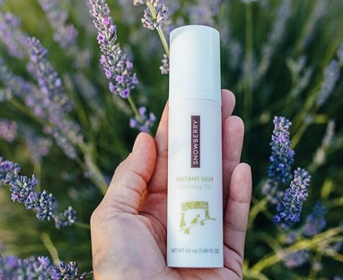 How Does Snowberry Combine Nature and Skin Science? When science is combined with naturally-sourced skin care ingredients, incredible things can happen.