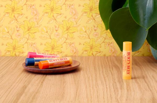 Descubre todos los sabores naturalmente hidratantes de nuestros bálsamos labiales.
