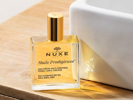 The N°1* oil in France. This iconic product nourishes, repairs and beautifies skin and hair.