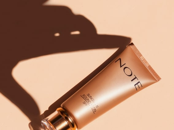 Note Cosmetics Sunglow Foundation with SPF