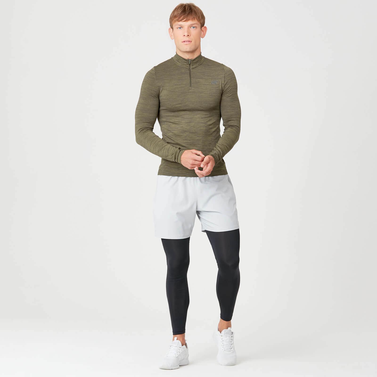 Freier Versand beim Kauf neuer Kleidung
