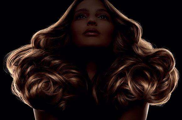 Udtryk dig selv og din stil gennem Art of Hair fra Shu Uemura.