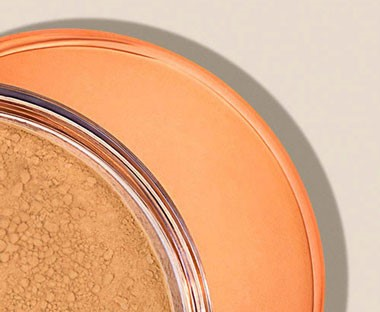 PURE CRUSHED MINERALS POWDER FOUNDATION