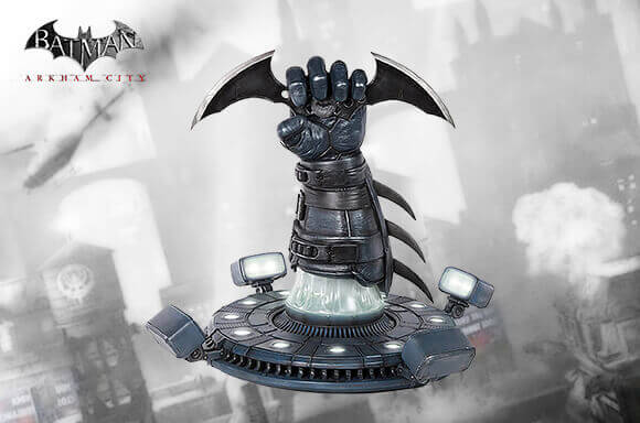 GAMING STATUES AND PROP REPLICAS
